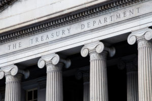 Investors move from junk-bond funds into Treasury funds