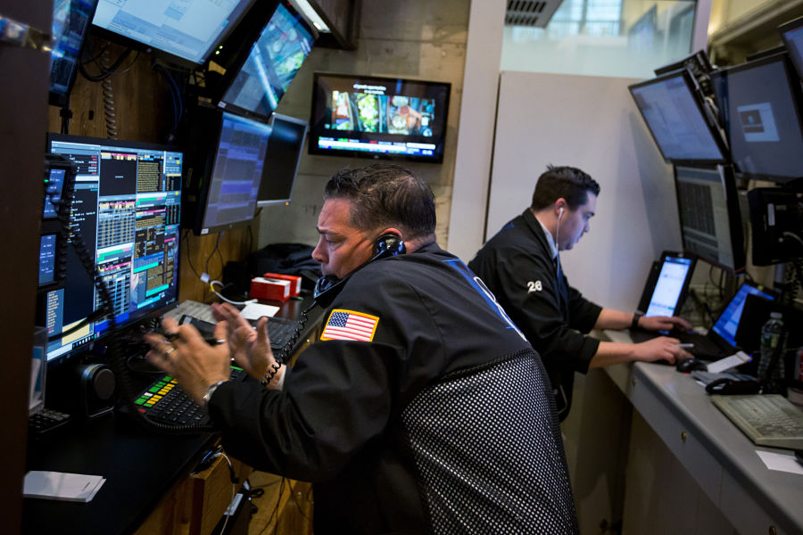 S&P 500 sinks 7 percent, triggering pause for 1st time since 2008