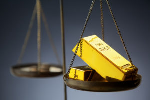 Advisers look past the glitter, debate gold's value as a long-term investment