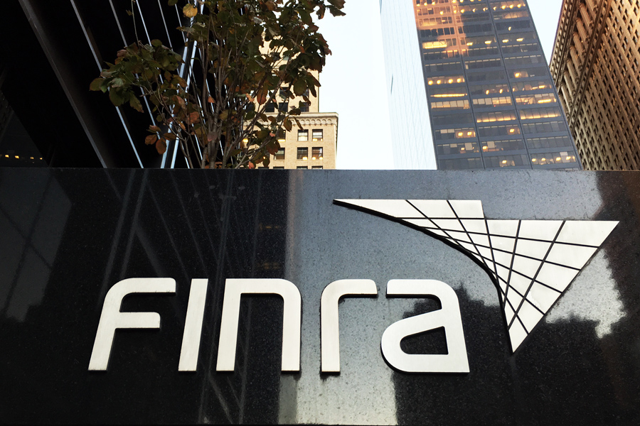 Number of B-Ds, reps registered with Finra falls again