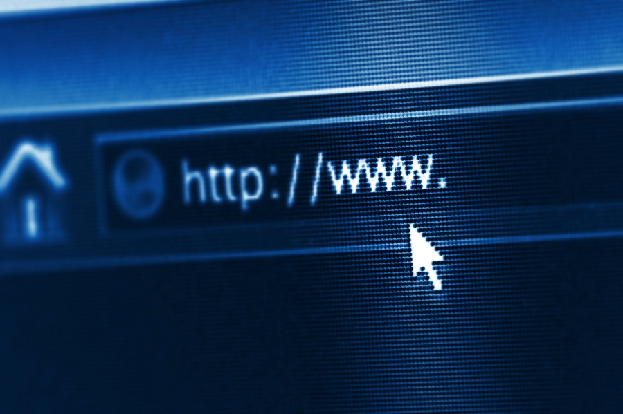 Online brokers avoid troubles amid internet outages