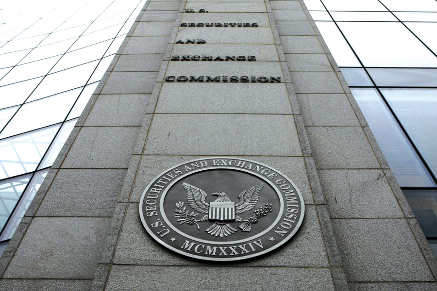 Adviser bilked more than $100,000 from investment partnerships: SEC