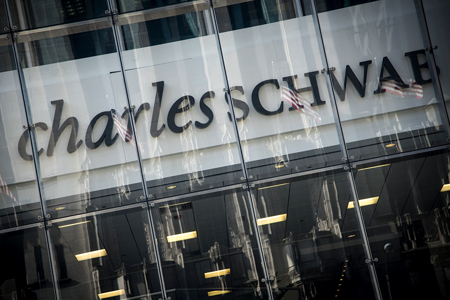 Schwab's customer service tests advisers' patience — and loyalty