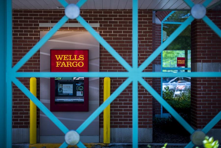 Wells Fargo hits lowest level since 2009