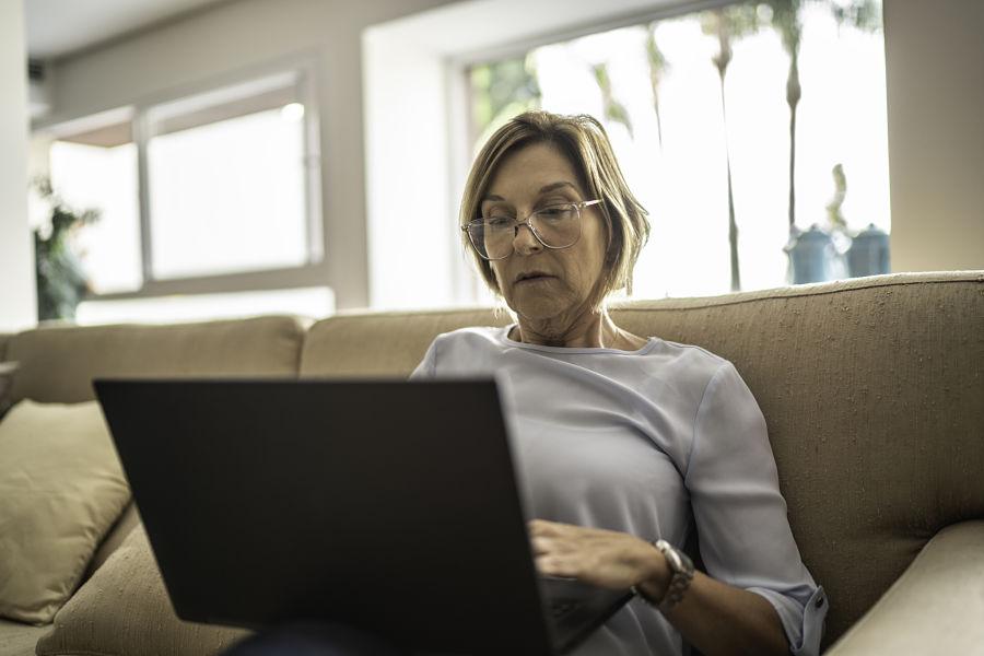 Social Security expert follows her own advice