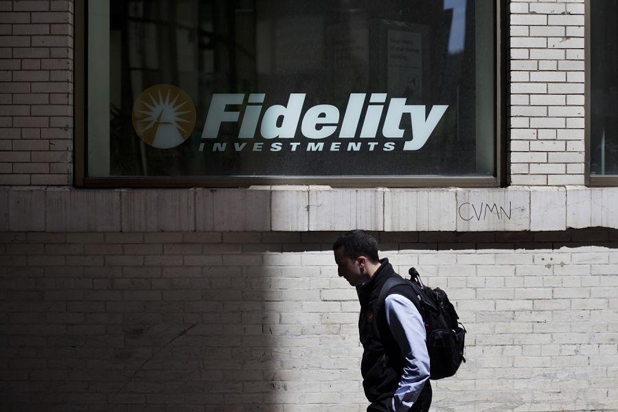 Fidelity chops index target-date minimums, following Vanguard