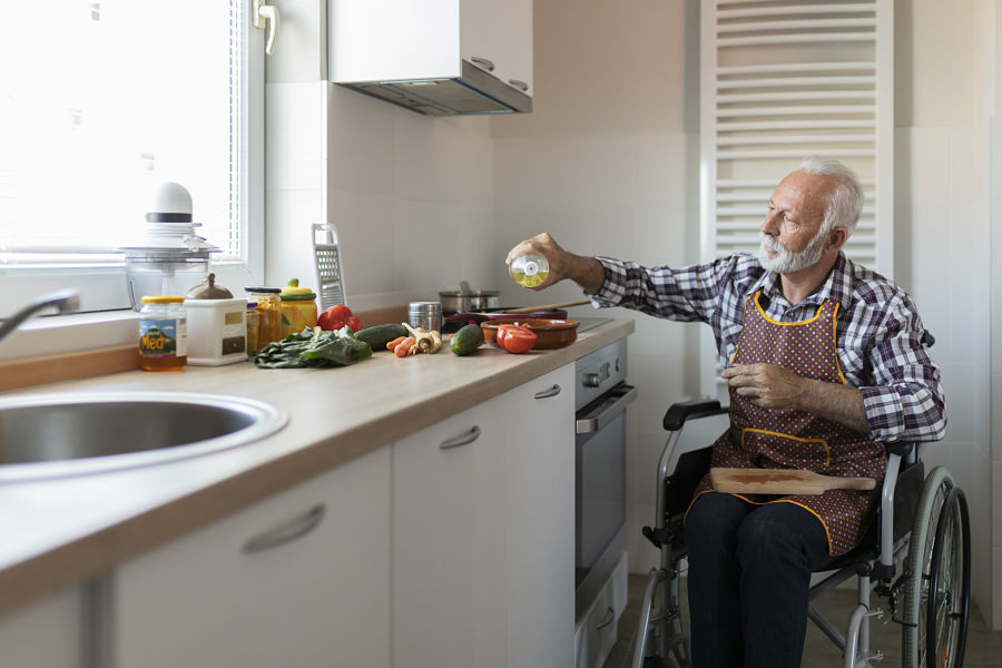 When eligibility for retirement and disability benefits overlaps