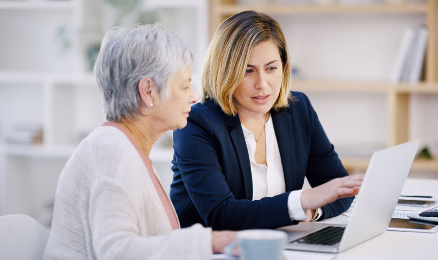 Women rely on financial advisers more than men