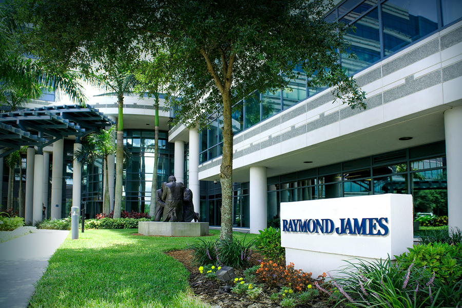 Raymond James' recruiting reboot is working: Reilly