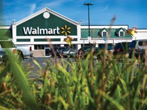 Walmart hires Goldman bankers