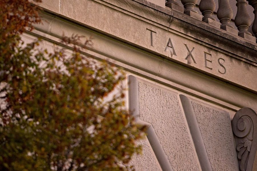 Weighing in on disputed language in IRS 10-year RMD rule
