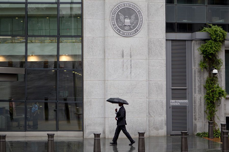 SEC blocks Chinese IPO filings until risks are better disclosed