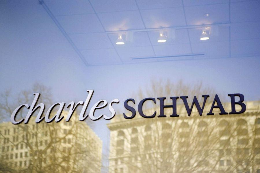 Schwab hit with class-action complaint over cash sweeps