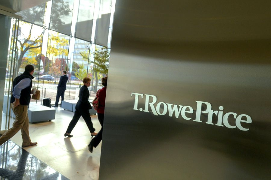 T. Rowe President Sharps to succeed Stromberg as CEO
