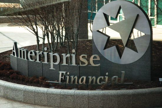 Ameriprise makes headway in bank broker market, Cracchiolo says