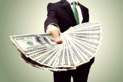 10 advisory roles with the highest bonuses