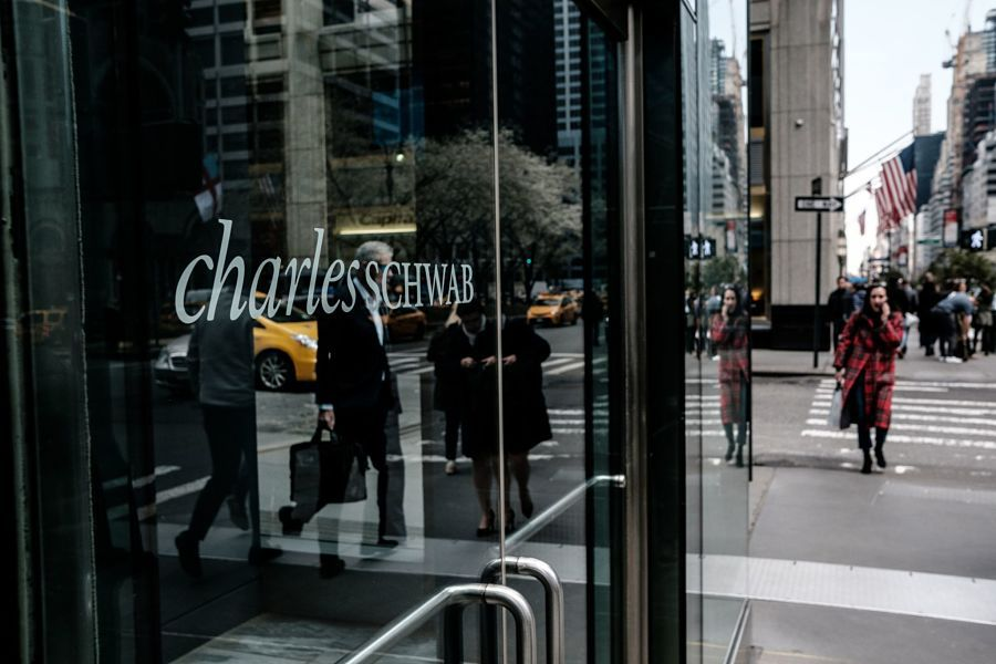 Schwab posts record earnings as retail trading powers on