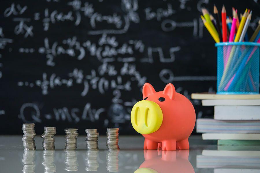 403(b) plans ahead of 401(k)s on ESG, retirement income